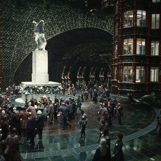 Panic at the Ministry of Magic from the Deathly Hallows PArt 2