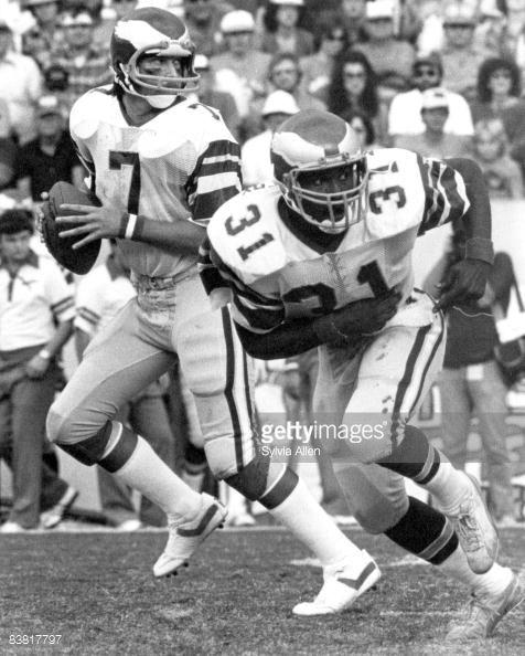 News Photo : Philadelphia Eagles quarterback Ron Jaworski...