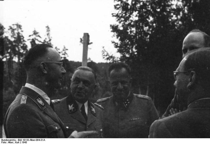 Subhash Chandra Bose and Heinrich Himmler, Germany, summer 1942, photo 1 of 5