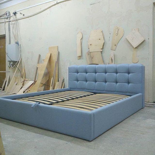 Изготовили еще одну кровать с нереально рельефным изголовьем, на этот раз со спальным местом 180*200  #мебельназаказ #мягкаямебель #уютнаямебель #мебель #кровать #диван #кресло #пуф #пуфик #стул #стулья #банкетка #мебельдлядома #кроватьназаказ #мебельподзаказ #интерьер #липецк #воронеж #москва #мебельмосква #мебельвмоскве #мебельвлипецке #мебельлипецк #мебельворонеж #дизайнинтерьера #interior #interiordesign #home #furniture #bespokefurniture