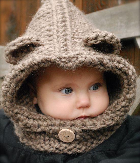 Bear Cowl Knitting Pattern Free : 17 Best ideas about Heidi May on Pinterest Velvet acorn, Tejidos and Knitti...