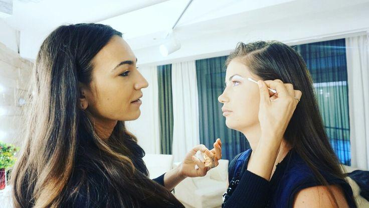 makeup artist Cristina Camarzan Brasov Beauty Lounge