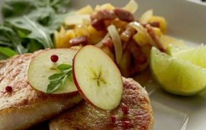 Filetto di maiale allo speck alle mele - Questo filetto di maiale con speck e mele è un secondo piatto facile da preparare ma con il quale farete un ottima figura.