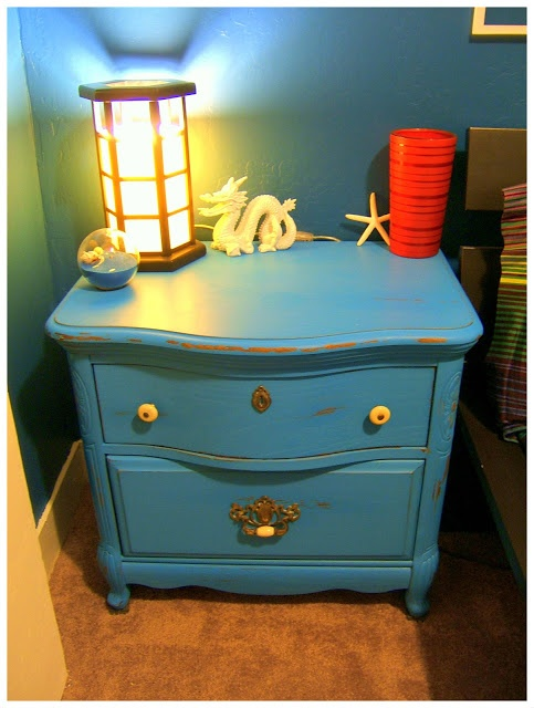 How To: Cyan Chalk Paint Nightstand