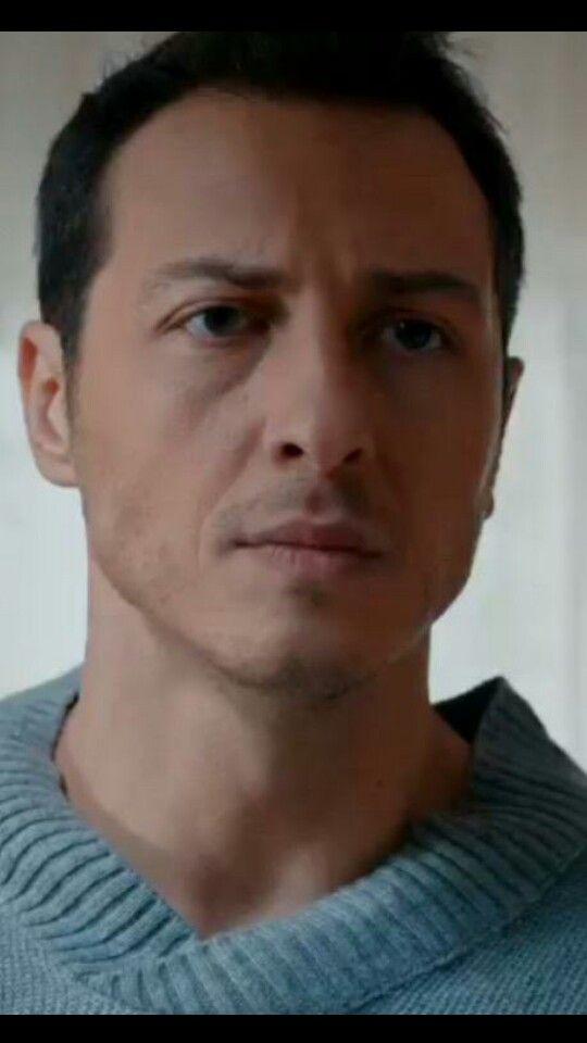 Ali Aksöz as Kenan Koper