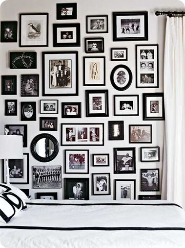 This looks so awesome! I think it's great in this guest room- I'm pretty sure it would make me a little crazy in my everyday spaces.