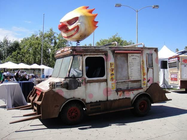 Sweet tooth (TWISTED METAL) ice cream truck