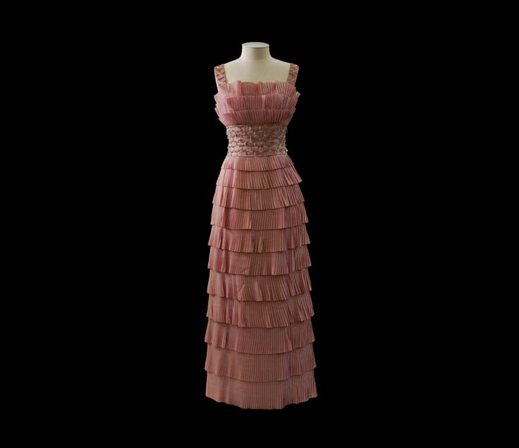Vienna Bon Bon gown, 1960s, Peggie Wilson (b.1921), gifted by Mrs Peggie Wilson, collection of Hawke's Bay Museums Trust, Ruawharo Tā-ū-rangi, 2003/16a-d.