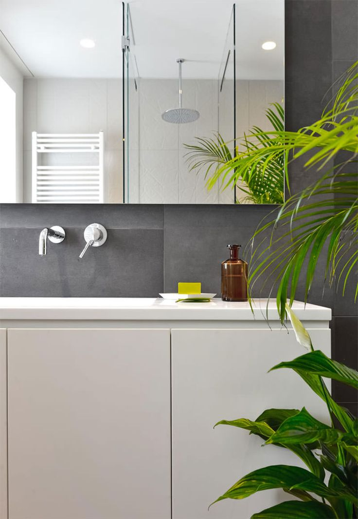banheiro-cinza-e-branco