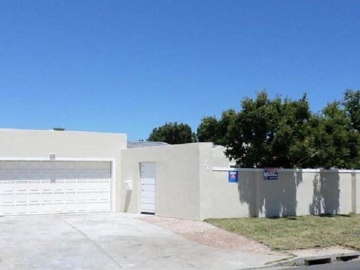 Explore this property 4 Bedroom House in Table View