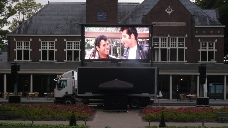Mobiel LED Scherm - Openlucht Bioscoop  http://www.grootbeeldscherm.n/mobiel-led-scherm-huren/