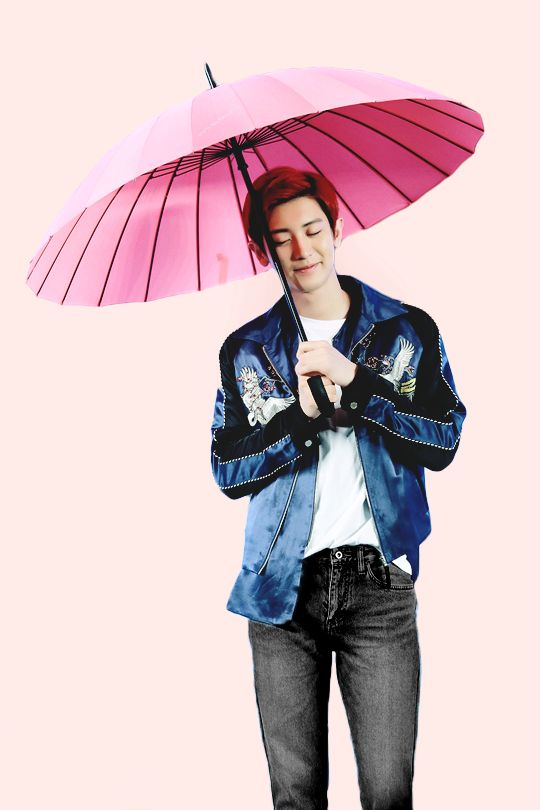 CHANYEOL Look at this cutie with his pink umbrella.
