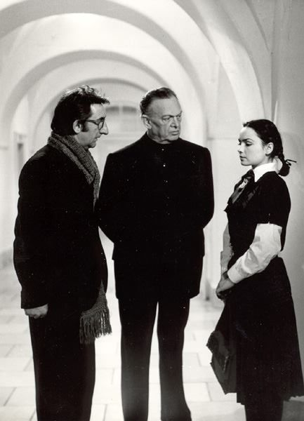 Az Abigél Szabó Magda azonos című regényéből 1977-ben készített négyrészes, színes magyar tévéfilmsorozat.