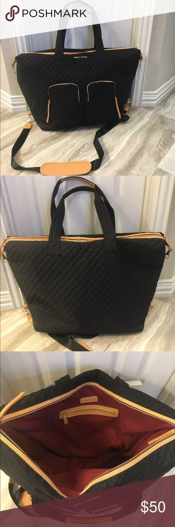 Adrienne vittadini black quilted weekender HUGE Adrienne Vittadini black quilted weekender travel bag. Used once. Adrienne Vittadini Bags Travel Bags
