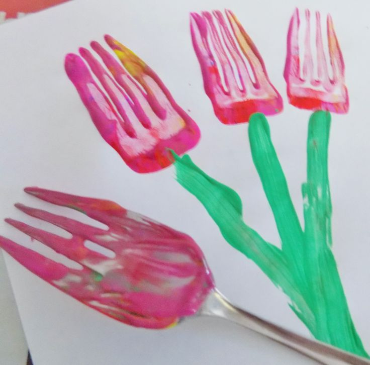 Fork painting. Fork flowers fork tulips. Easy clever painting idea!
