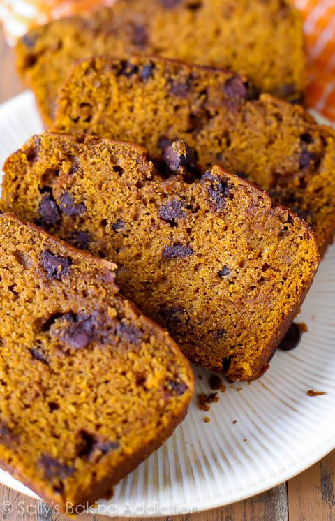 Pumpkiin Chocolate Chip Bread by sallysbakingaddiction: Deliciously moist and flavorful pumpkin spice bread with chocolate chips. #Pumpkin_Bread #Chocolate