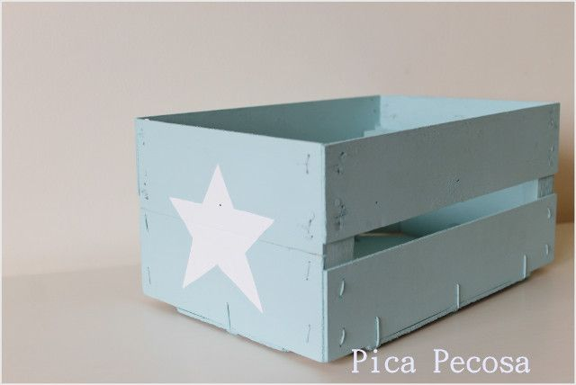 Caja de fruta reciclada y pintada con chalk paint / Fruit box recycled and painted with chalk paint