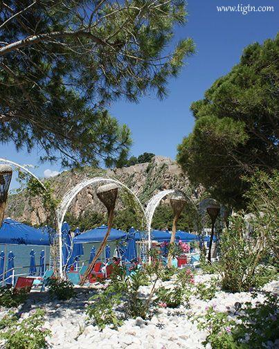 Blublanc, the best seaside bar/cafe/bistro at #Arvanitia beach, #Nafplio - #Greece