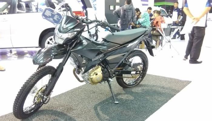 Modifikasi Suzuki Satria Injeksi, Bagi Anda pemilik Suzuki Satria F150 dan sedang mencari referensi untuk modifikasi, bisa menyimak konsep yang satu ini. Suzuki menghadirkan Satria F150 di ajang Ja…