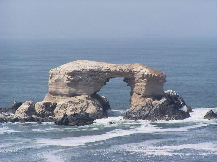 La portada de Antofagasta. Monumento natural/Natural Monument