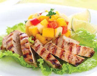 """Tavuklu #mango salatası. Mangoyu """"Yemeye Hazır"""" almayı unutmayın. #yemeyehazir #salata #meyvelitarifler #fit #fittarifler #saglikliyasam #hafif"""