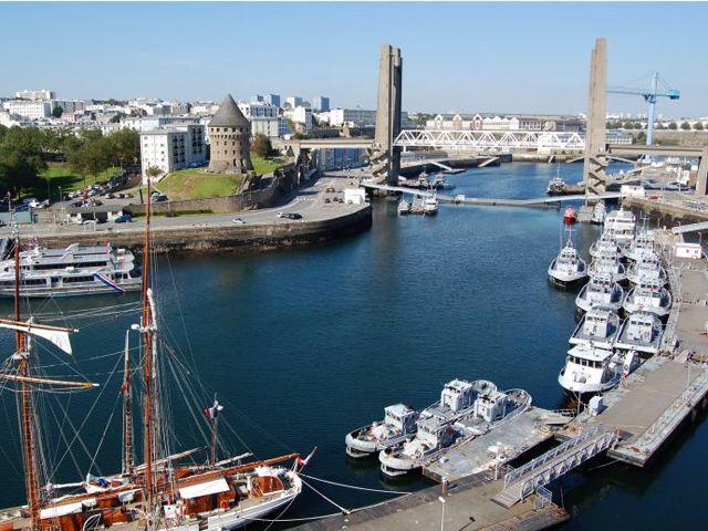 Visiter Bretagne insolite - Le port de Brest