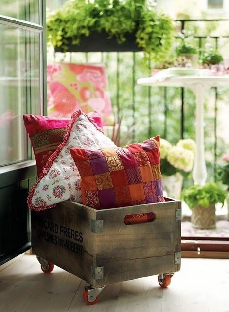 Extra Cushion Storage