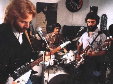 "▶ Andrew Gold discusses the making of ""You're No Good"" by Linda Ronstadt. - YouTube"