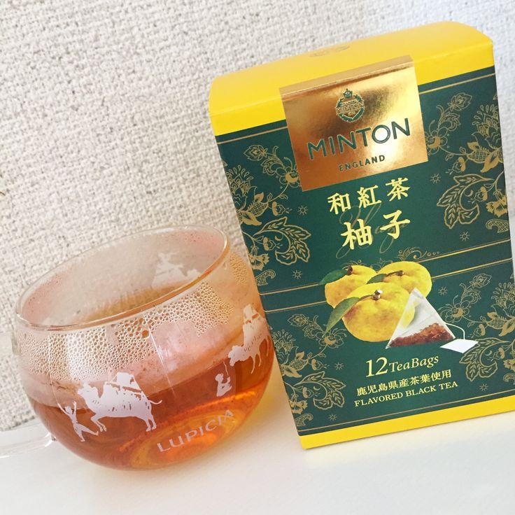 MINTON 和紅茶 柚子。鹿児島産の茶葉使用。鹿児島産は淡い香りとどっしりとしたコクが特徴。円やかな甘味もあり、柚子もほのかに香る程度。和紅茶の主張しない感じが、私にはあまり合わないみたい。(他のMINTONも好みじゃなかったから、ブランドとの相性の問題?)パッケージには、ブランドで人気のHaddon Hallというデザインと、日本の伝統色タンポポが使われている。生産者の写真付きミニパンフ付き。