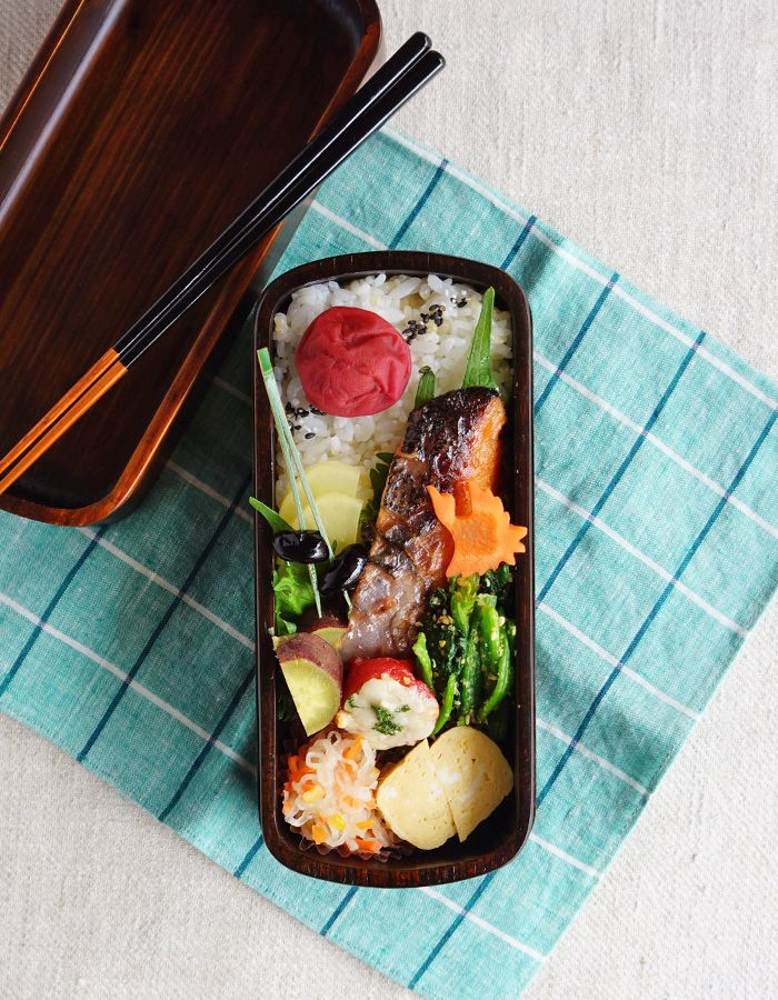 Grilled miso-marinated salmon bento/鮭の味噌漬け焼き弁当