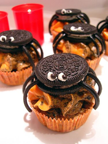 Oreo Spider CupcakesIdeas, Halloween Parties, Food, Spiders Cupcakes, Halloween Pumpkin, Halloween Cupcakes, Halloween Treats, Oreo Spiders, Oreo Cupcakes