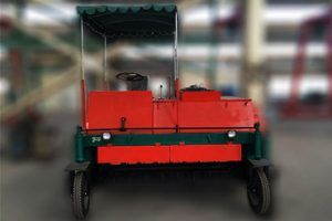 Self propelled Compost Turner - http://organicfertilizermachine.com/product-category/product/compost-turner