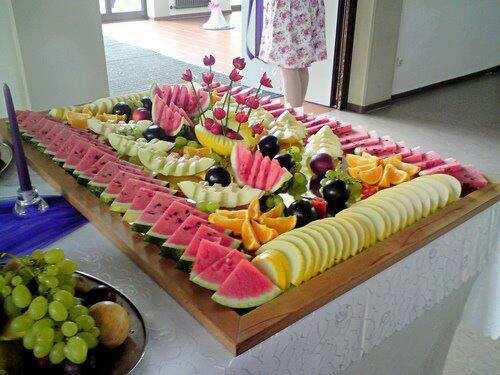 What a cool way to set up a fruit platter for a large group.