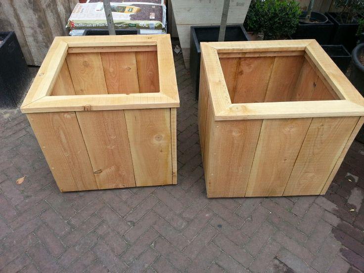 Douglas houten plantenbak op wielen, 80x80x60cm | Steigerhouten plantenbakken | De Olijfgaard