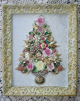 VINTAGE JEWELRY ART FRAMED FLORAL CHRISTMAS TREE ~ BIRDS BEE LADYBUG BUTTERFLY