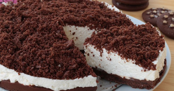Dolce a dir poco delizioso, la torta pan di stelle senza cottura è un dessert è davvero geniale scoprite subito come fare ...