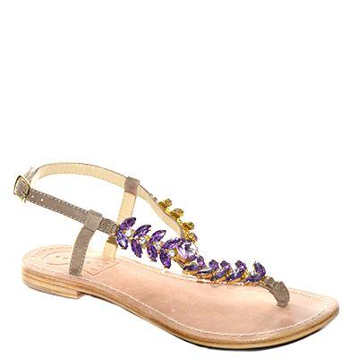 #Sandalo basso con fondo cuoio decorato da pietre di colore lilla di #Suite159  http://www.tentazioneshop.it/scarpe-suite-159/sandalo-s14109-viola-suite-159-.html