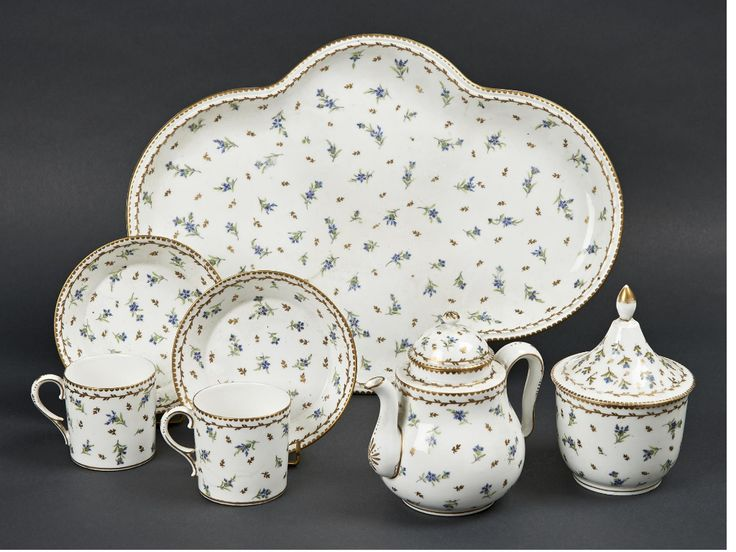 1691 best Handpainted porcelain images on Pinterest  Painted porcelain, China painting and Paint