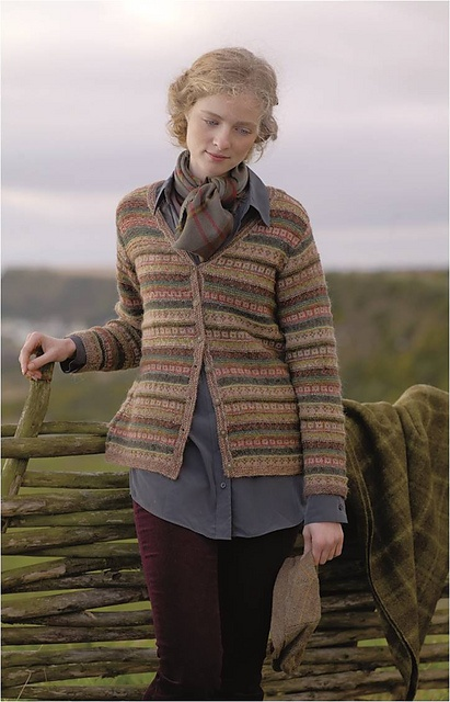 Rowan 52 magazine: Bute Womens http://www.englishyarns.co.uk/images/rowan/aug2012/Mag52/garmentInfo/Bute.pdf#zoom=150