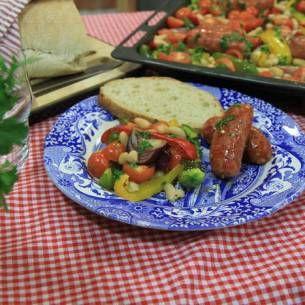 Image for Ugnsbakad salsiccia med tomat, paprika och bönor