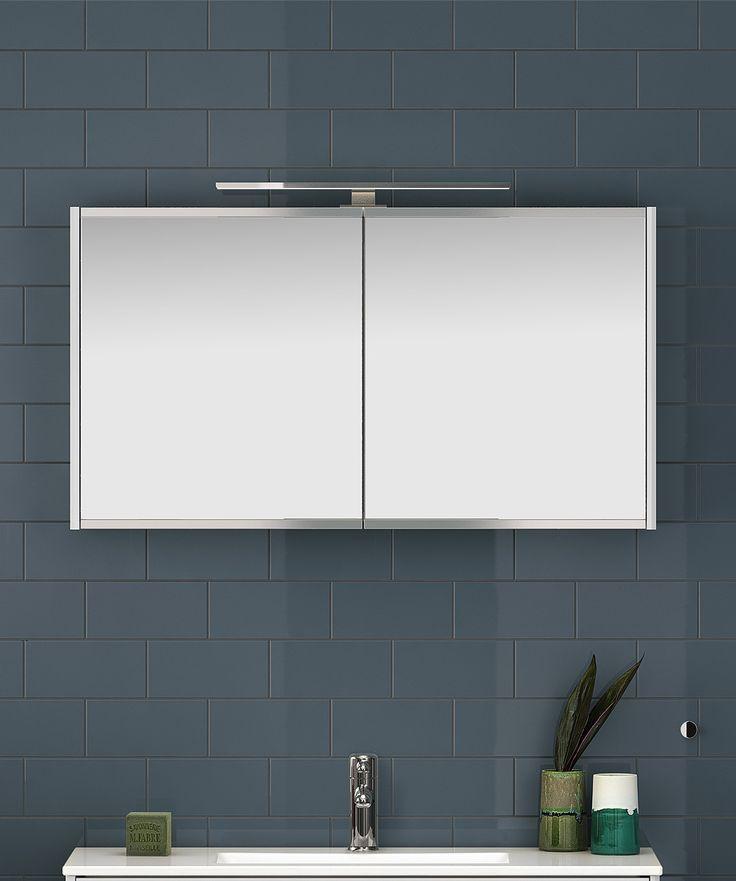 Spegelskåp från Graphic i vitt.