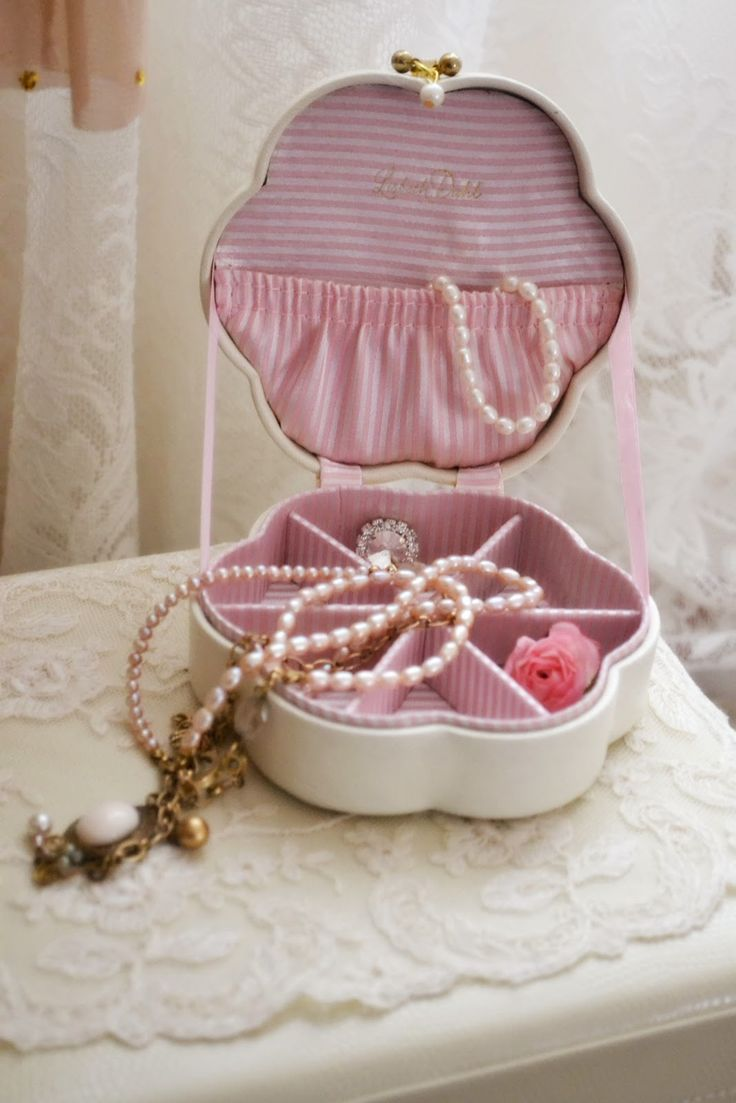Pretty Jewelry Box 189 Best Gem Of A Jewelry Box Images On Pinterest  Vintage