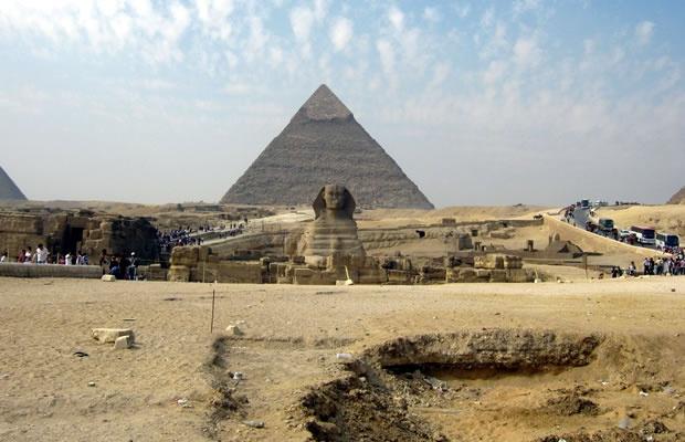Pirâmides e esfinge de Gizé
