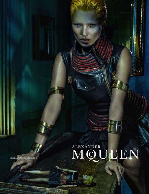 Moss w kampanii Alexandra McQueena!