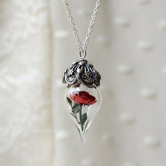 25 + › Rose der Schönheit und das Biest – Rote Rose Silber Halskette – Halskette aus Glasblumen-Terrarium. Geschenk für Frau,