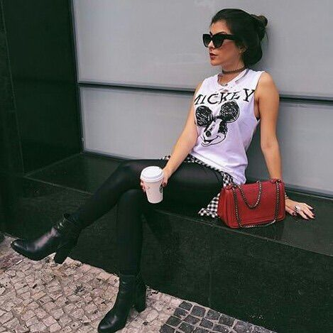 Imagem através do We Heart It https://weheartit.com/entry/175742961 #accessories #acessorios #beautiful #black #estilo #fashion #flawless #food #girl #hair #linda #look #love #mickey #moda #nah #natalia #outfit #perfect #style #nahcardoso #cardoso