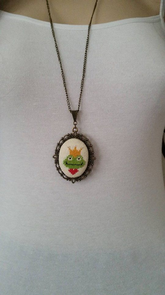 Cross stitch necklace, Frog cross stitch necklace, necklace, pendant, jewelry, cross stitch necklace, embroidery necklace, Valentine's Day,