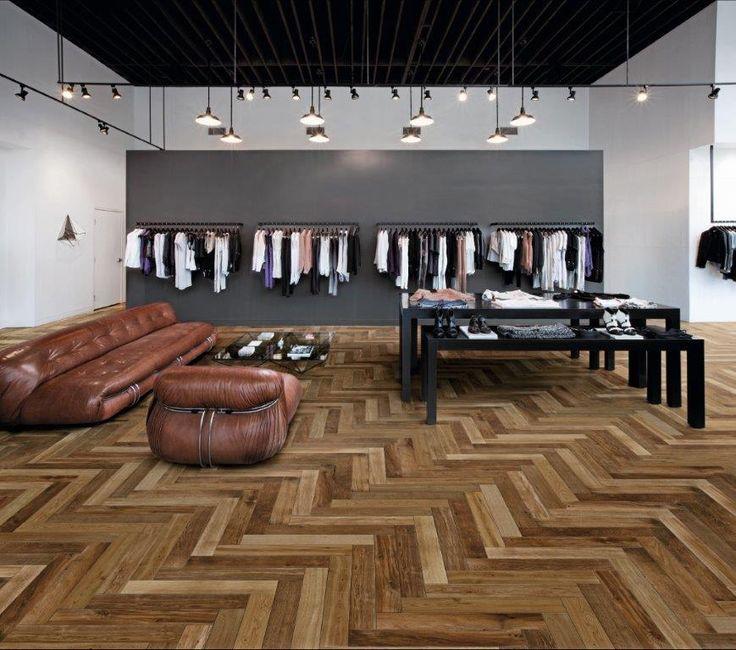 Op zoek naar een mooie #houtlook #tegel die in #visgraat patroon te leggen is? Wat denk je van deze #vloer van #Marazzi? Uiteraard verkrijgbaar bij #Lingen #Keramiek!