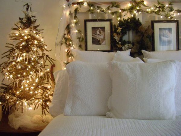 Christmas Bedroom Decorating Ideas. 37 best Christmas Bedroom Decor images on Pinterest