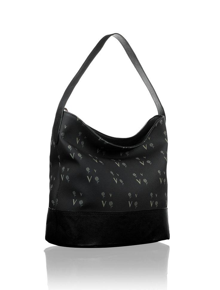 Sipariş vermek için www.modanmania.com sitemiz üzerinden veya 0850 840 0202 nolu telefon numaralarından iletişime geçebilirsiniz. Diğer çanta modellerini görmek için www.modanmania.com sitemiz üzerinden bizi takip edebilirsiniz.